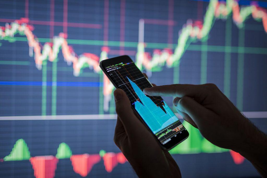 Cổ phiếu bất động sản tăng kịch trần, VN-Index giằng co mốc 1.170 điểm kinhtetrithuc.vn 1