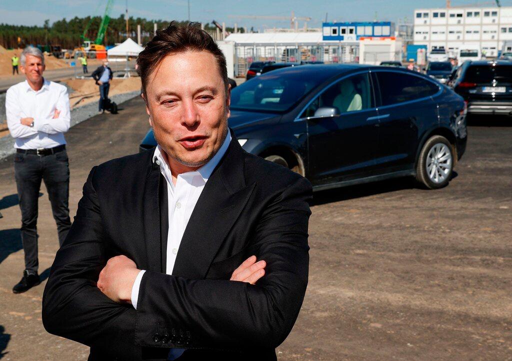 """""""Cơn bão Tesla"""" đưa Elon Musk thành tỷ phú giàu nhất hành tinh kinhtetrithuc.vn"""