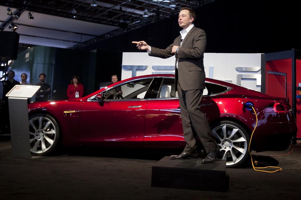 """""""Cơn bão Tesla"""" đưa Elon Musk thành tỷ phú giàu nhất hành tinh kinhtetrithuc.vn 2"""