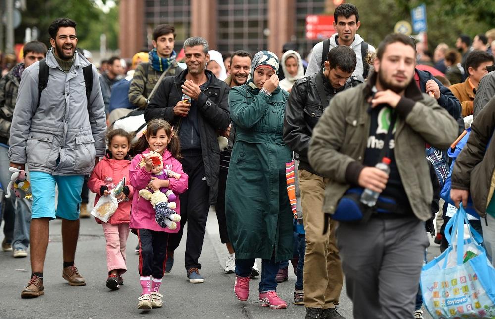 """Đức đang dùng """"chiêu độc"""" nào trục xuất người nhập cư trái phép? kinhtetrithuc.vn 2"""