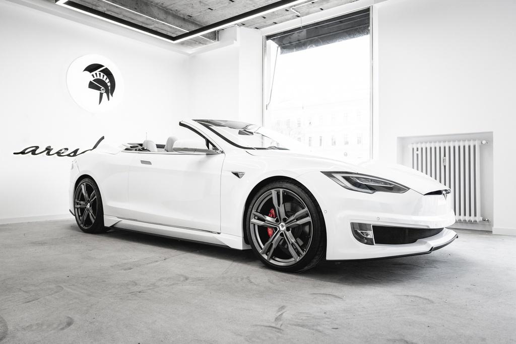 Tesla Model S được độ thành xe mui trần kinhtetrithuc.vn