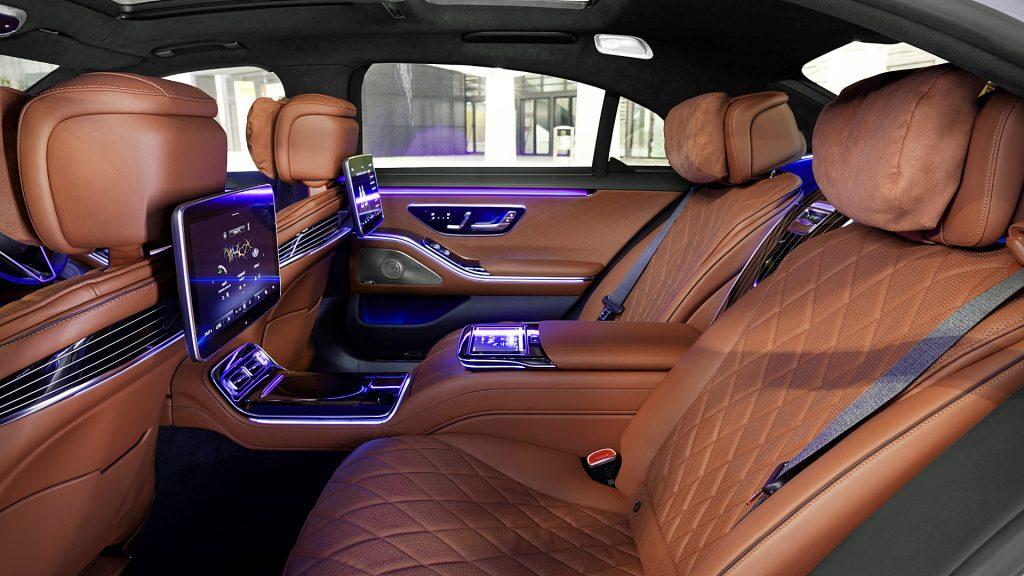 Mùi nội thất ôtô mới chứa chất gây ung thư kinhtetrithuc.vn