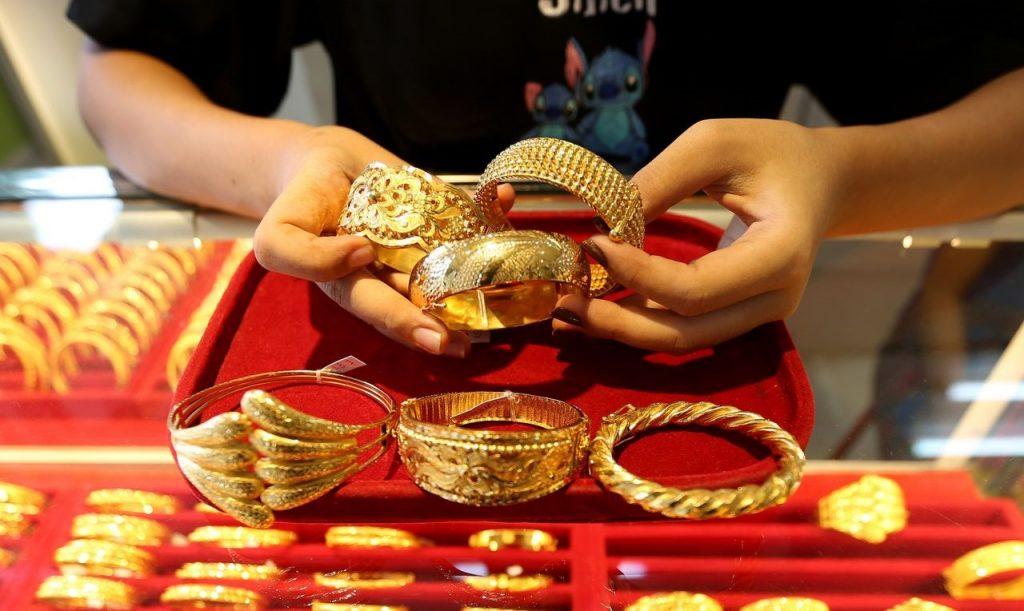 Nên đầu tư Bitcoin hay vàng trong năm 2021? kinhtetrithuc.vn 1