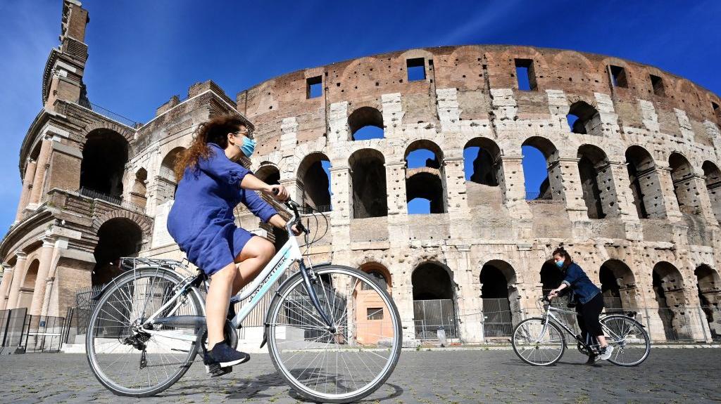 Nhiều quốc gia gấp rút 'hồi sinh' ngành du lịch