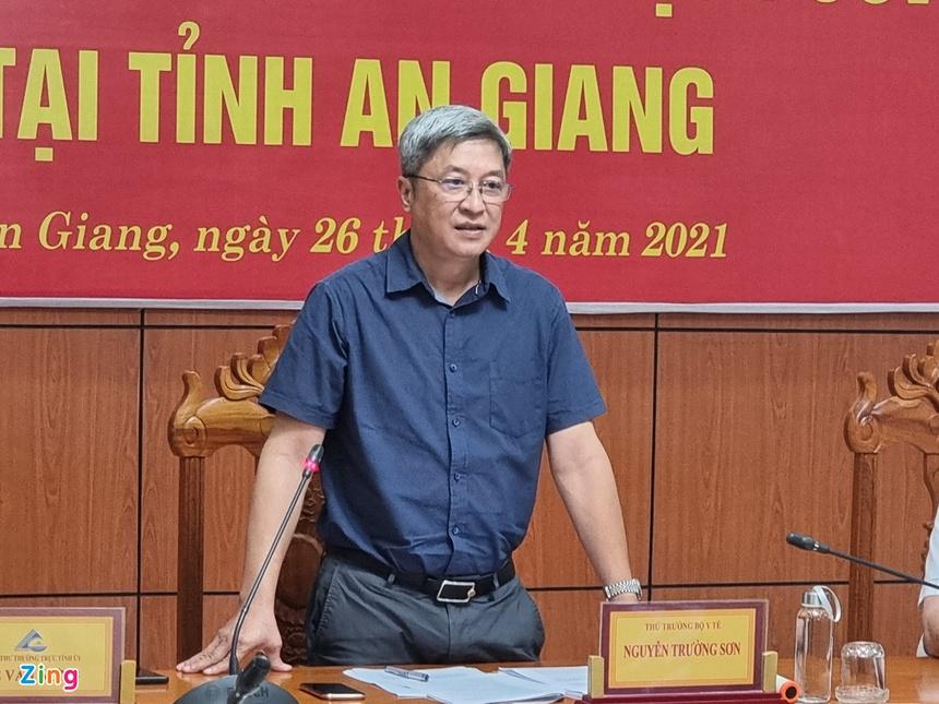 Thứ trưởng Bộ Y tế: 'Cần nâng mức phòng dịch Covid-19 lên cấp độ mới'