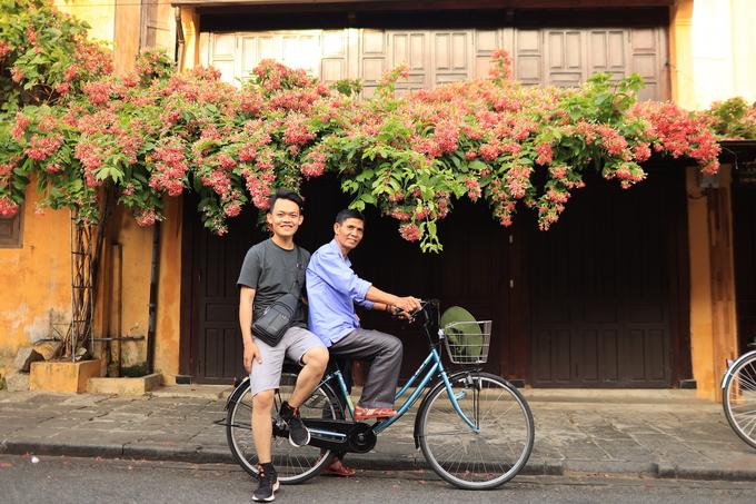 Đưa bạn thân 73 tuổi của ông nội du lịch xuyên Việt - kinhtetrithuc.vn 1
