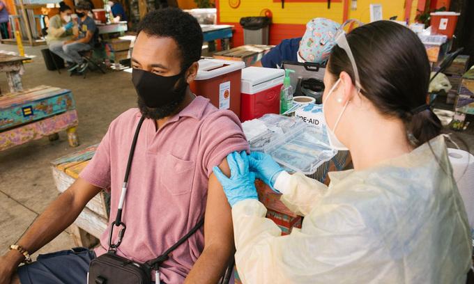 Virus nCoV đột biến hơn 6.000 lần - kinhtetrithuc.vn 1