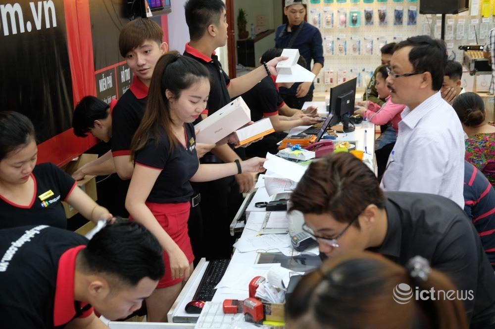 Sau Thế Giới Di Động đến lượt FPT Shop nhảy vào bán sỉ - kinhtetrithuc.vn 1
