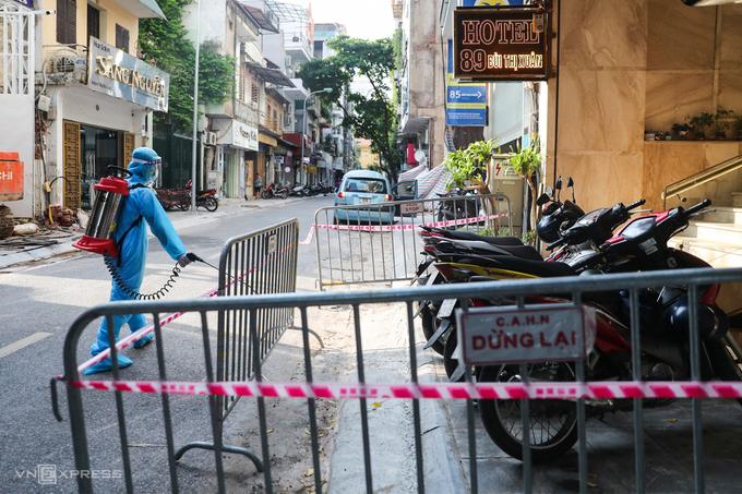 Xuất hiện nhiều ca mắc mới, dịch tại Hà Nội diễn biến khó lường - kinhtetrithuc.vn